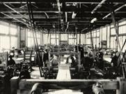 明治30年縮緬工場の写真